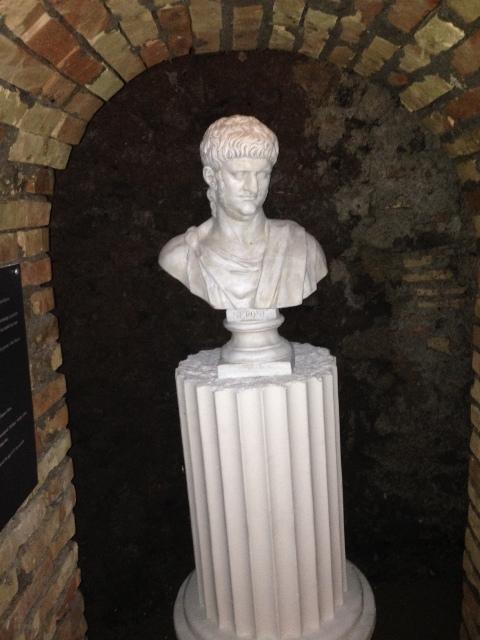 Nero unterirdisch