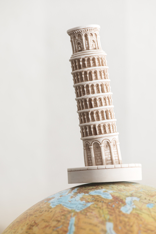 Pisa Tower on globe ©clipdealer_media-ID_6444542